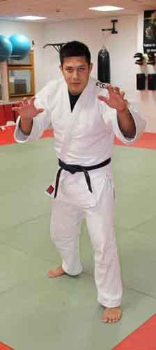 Kampfsportschule-Düsseldorf-Trainer-Alexander-Fuchs