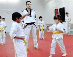 Kampfsportschule-Düsseldorf-Taekwondo-Kids-Kinder-Training